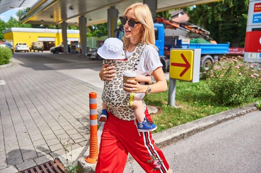 Artipoppe-Baby-Carrier-animal-print